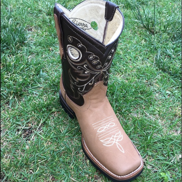 95cd23c2442 Women's cowgirl boots Square toe Honey Color Boutique